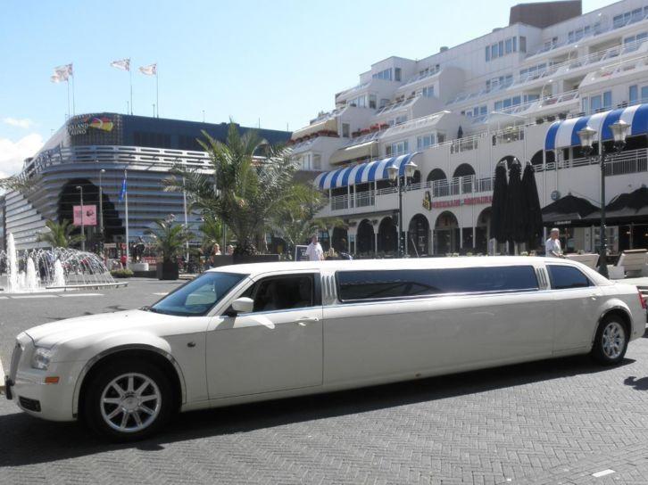 Chrysler 300c te huur bij Limoparty.nl uw limousine verhuur voor Utrecht en omstreken