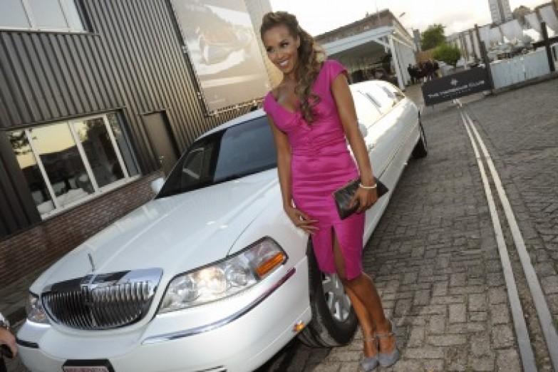 Glennis Grace huurt een limousine bij limoparty.nl Utrecht